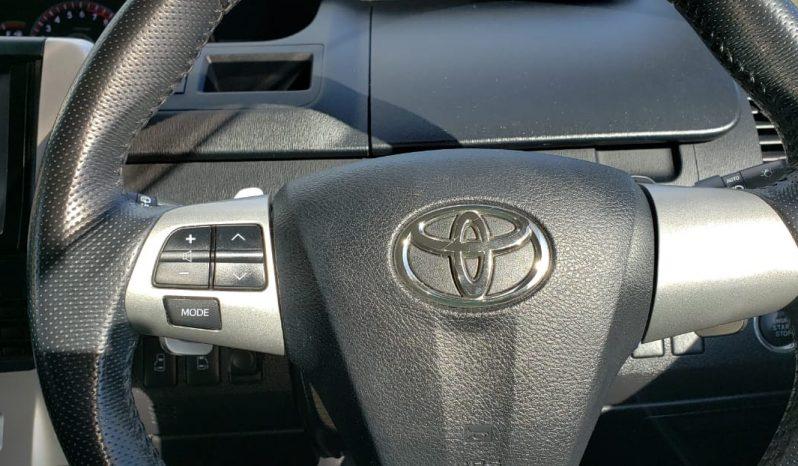 2011 Toyota Voxy full